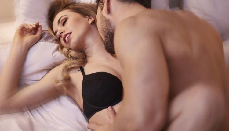 Kadınları orgazma ulaştıran 5 seks pozisyonu lap top pozisyonu ile...