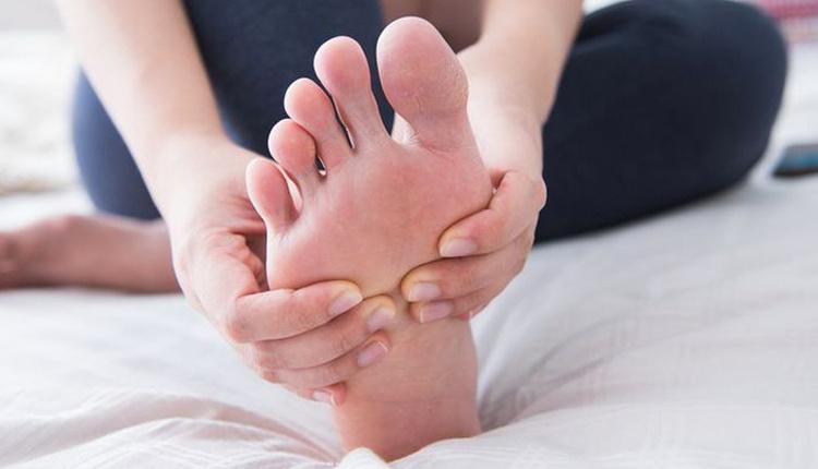 Ayak hastalıkları çeşitleri dikkat viral siğiller bulaşabilir!