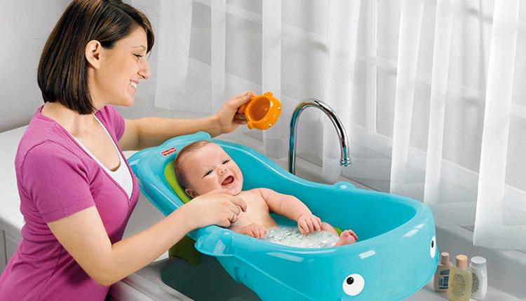Bebeğe banyo yaptırmak zararlı mı beyni geliştiriyor!