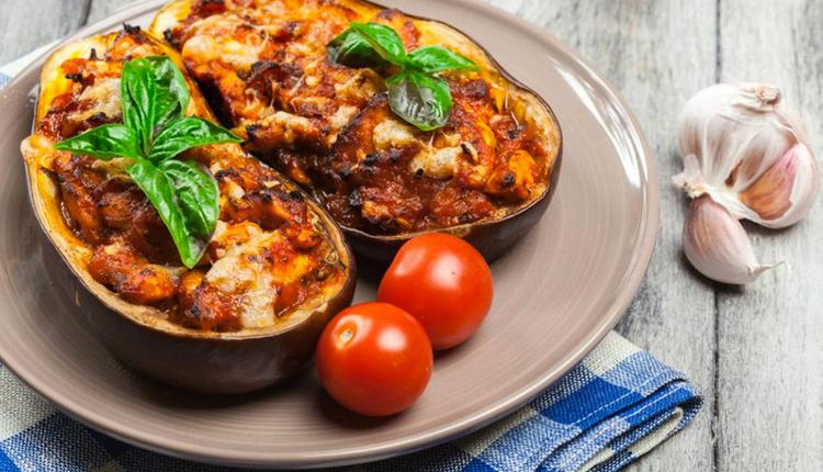 Mantarlı tavuklu karnıyarık nasıl yapılır malzemeleri nelerdir lezzetine bayılacaksınız!