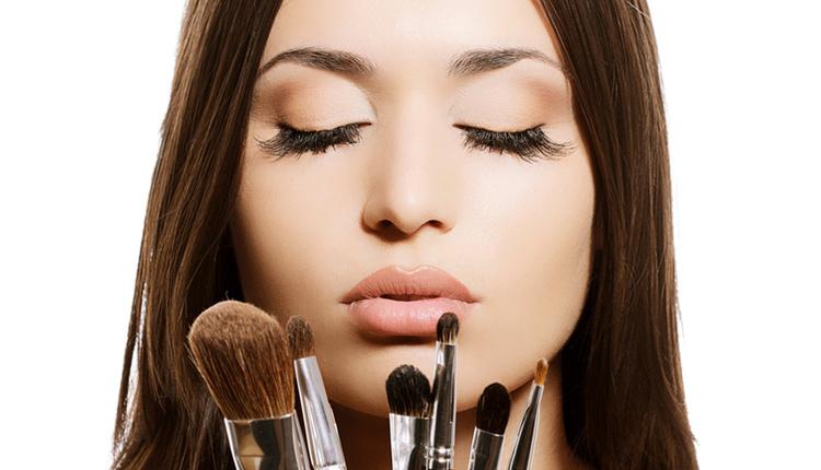 Yeni başlayanlar için makyaj nasıl yapılır bu tavsiyelere kulak verin!