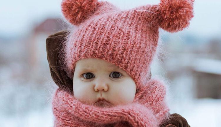 Kışın bebekler nasıl giydirilir nemlendirici sürün!