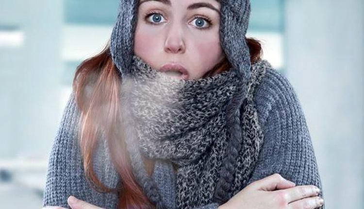 Kışın yüz felcini önlemek için neler yapılmalı atkısız dışarı çıkmayın!