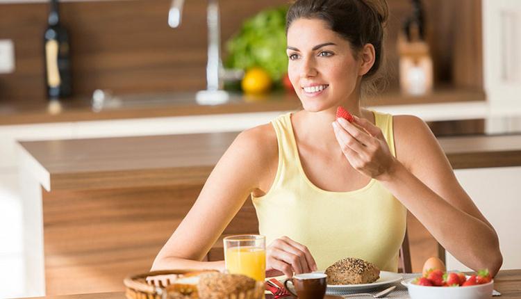 Kahvaltı yaparken yapılan hatalar aceleye getiriyorsanız...