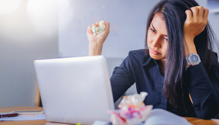 İş yerinde mutsuzluğunuzun nedeni yedikleriniz olabilir!