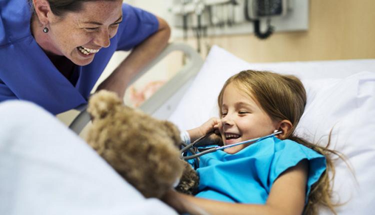 Çocuklarda görülen göğüs duvarı deforminitesinde ideal ameliyat yaşı kaç?
