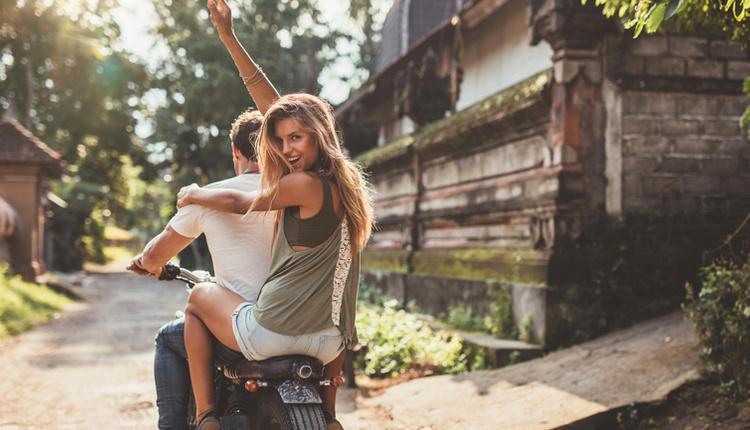 Sevgiliyle tatile çıkmak için gerekenler ekip ruhunu oluşturun!