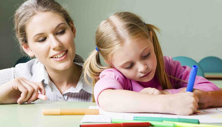 Çocuğun derste başarılı olması için ne yapılmalı ders saatini azaltın!
