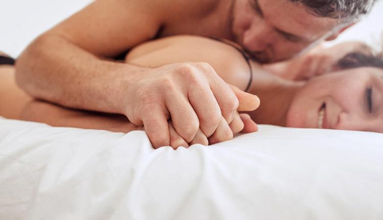 Ön sevişme nedir birbirinizin kokusunu alın ten uyumu önemli!