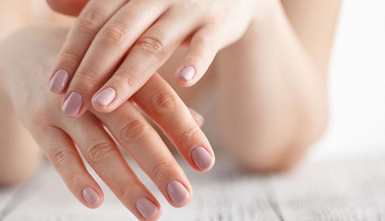 Evde pratik tırnak bakımı nasıl yapılır detoks ile tırnaklarınızı yenileyin!