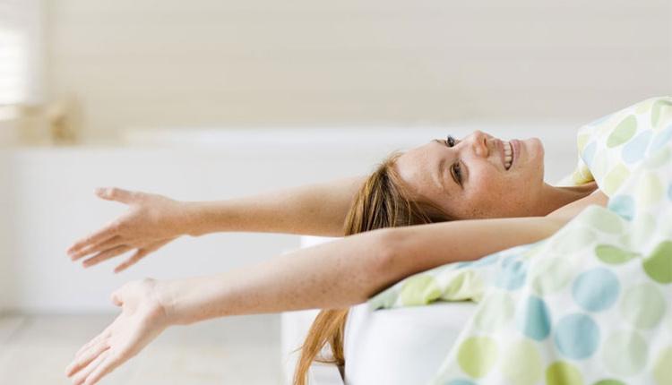 Gün boyunca dinç olmak için yarım kalan işleri yatakta yapmayın!
