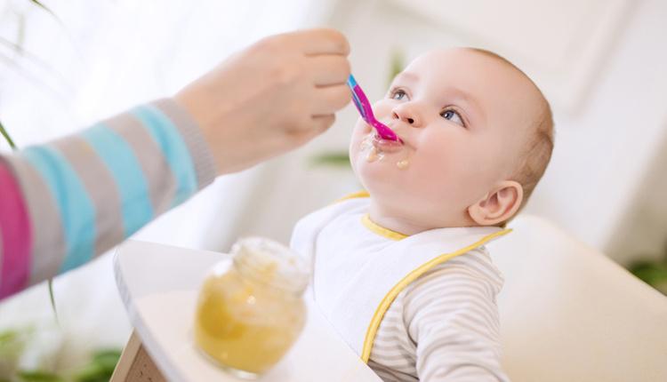Bebeklere ilk ek besin olarak ne verilir?