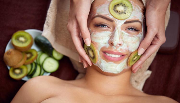 Kivi maskesinin faydaları neler cildi yumuşatmaya birebir!