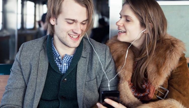 Kulaklık kullanmanın zararları tehlike saçıyor!