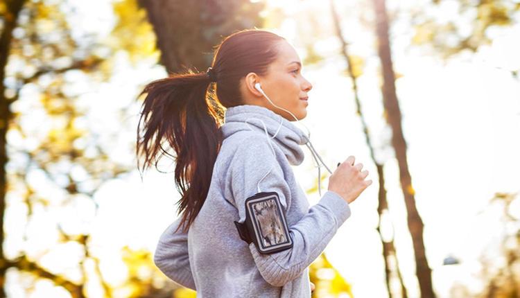 Sporda koşmak mı yürümek mi daha faydalı yaratıcı düşünceyi geliştiriyor!