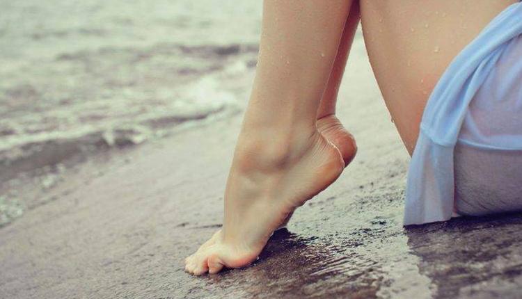 Evde ayak detoksu nasıl yapılır ağız gargarasıyla yumuşacık ayaklar!