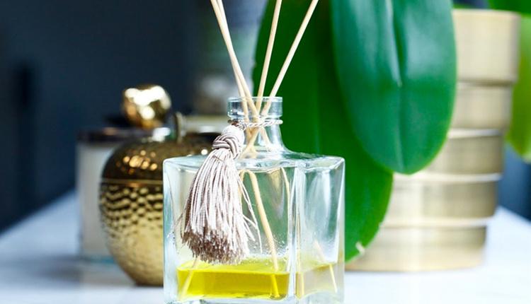 Çubuklu oda parfümü nasıl yapılır farklı esansiyel yağları karıştırabilirsiniz!