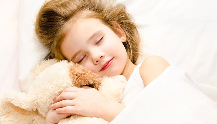 Tatilde çocukların uyku düzeni nasıl korunur en az 8 saat uyumalı!