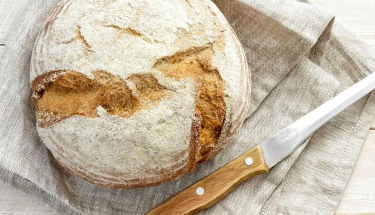 Ekşi mayalı ekmek tarifi sıcacık çıtır çıtır bir lezzet!