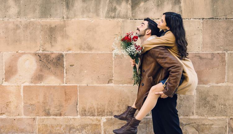 Sevgililer Günü'nde nasıl giyinilmeli siyahın cazibesini kullanın!