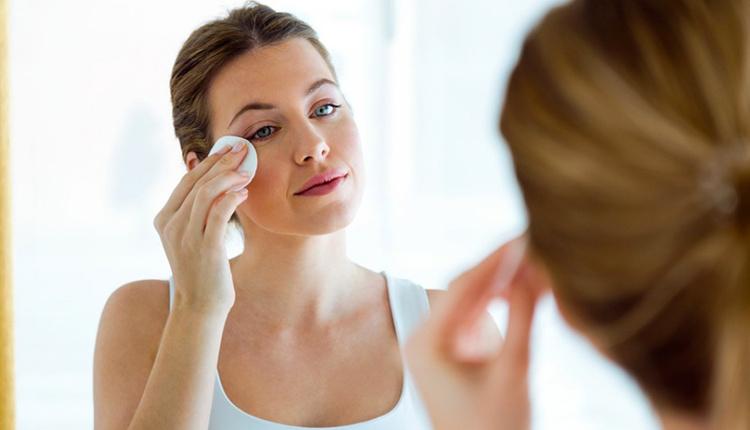 Makyaj temizlemenin kolay yolu kremden geçiyor hem sağlıklı hem pratik!