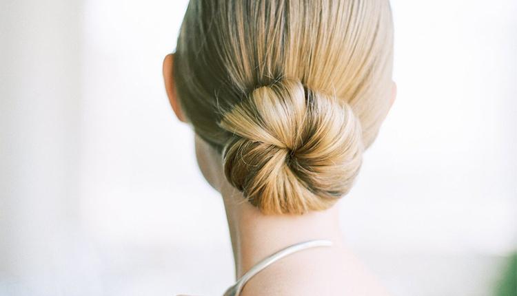 2019 İlkbahar Yaz sezonu saç modelleri parti topuzları yer alıyor!