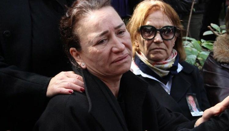 Eşi Zafer Çika'nın cenazesi sonrası Demet Akbağ ilk kez görüntülendi