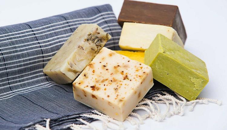 Evde keçi sütü sabunu nasıl yapılır cildi kuru olanlar için mucize bakım!