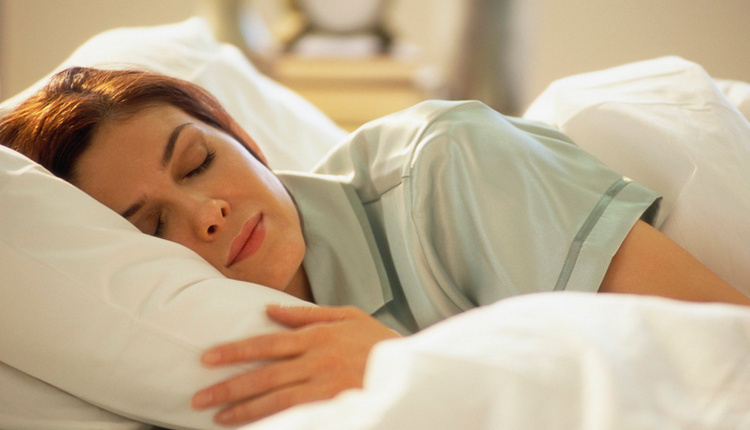 Uyku apnesi belirtileri neler uyurken burnunuzdan nefes alamıyorsanız...