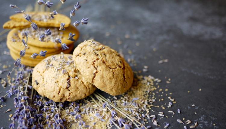 Lavantalı kurabiye nasıl yapılır mis kokulu lezzeti birde böyle deneyin!