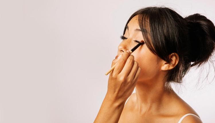Eyeliner kontür nasıl yapılır gün içerisinde bozulmasını istemiyorsanız...