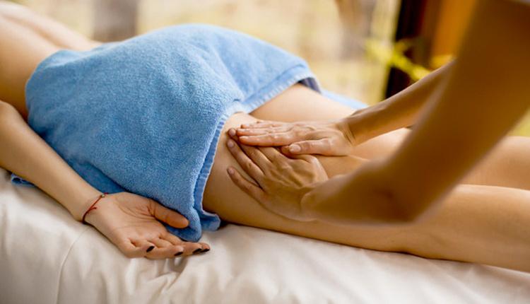 Selülit masajı nasıl yapılır yazın pareoya yapışık gezmek istemiyorsanız...