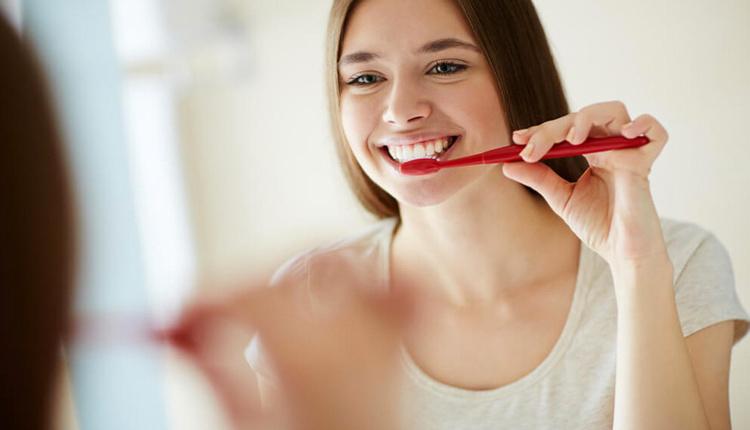 Diş fırçalamak orucu bozar mı işte tüm merak edilenler!
