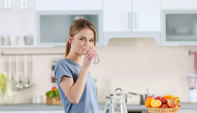 Oruçluyken susamamak için ne yapmalı bol bol meyve yiyin!