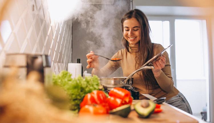 Tavuk iskender nasıl yapılır bol soslu hayır diyemeyeceğiniz lezzet!