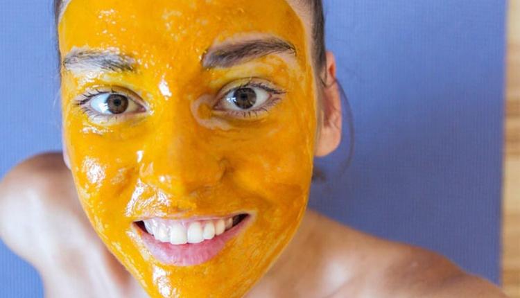 Zerdeçal maskesi tarifi ile yüz kıllarından ebediyen kurtulabilirsiniz!