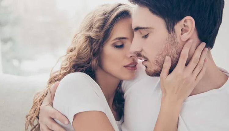 Sevgilinin seks yapmak istememesinin 5 nedeni tek başına mutlu olabilir!