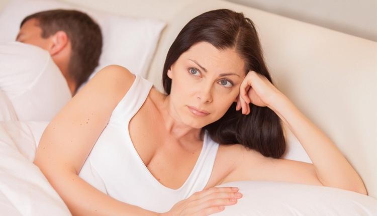 Erken boşalma sebepleri neler? Psikolojiniz tetikliyor olabilir!