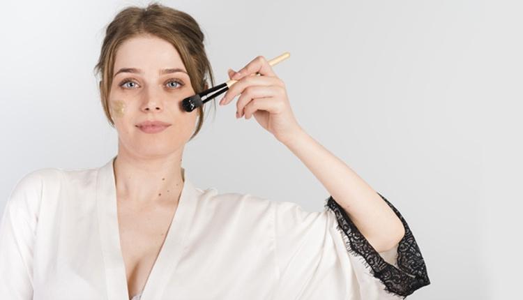 Günlük pratik makyaj yapmanın 3 adımı hem pratik hem çekici!