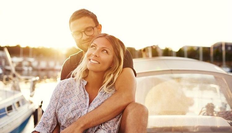 Mutlu çiftlerin uzak durduğu şeyler duygularınızı küçümsemeyin!