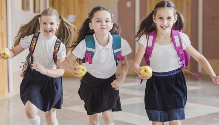 Çocuklara okul çantası alırken boyunu göz önünde bulundurun!