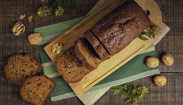 Sadece cevizli kek tarifiyle çat kapı misafirlere pratik lezzet!