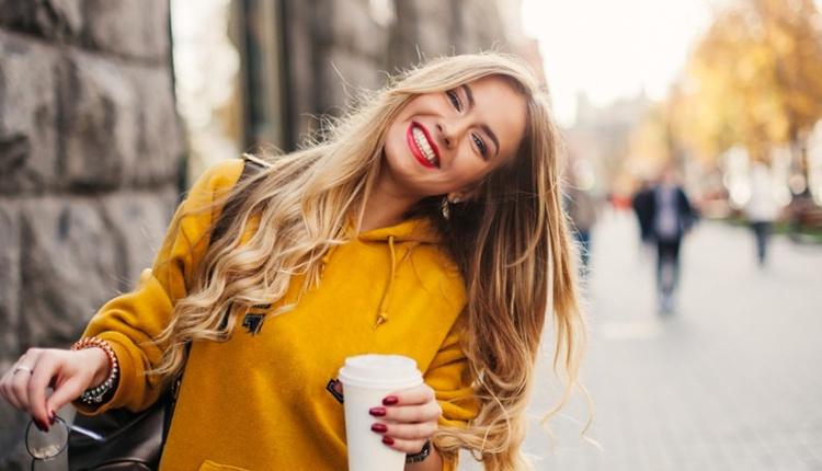 Kendinizi iyi hissetmenin yolları pozitif insanlarla birlikte olun!