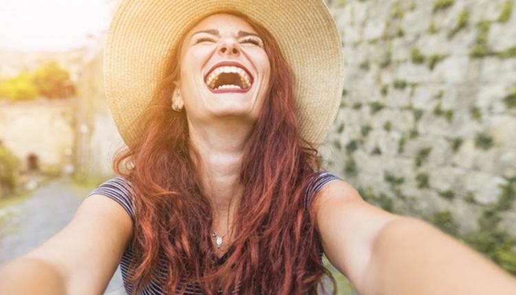 Doğal yöntemlerle diş beyazlatmanın 3 mucize yolu!