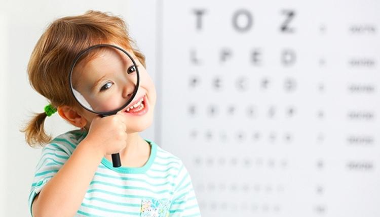 Çocuklarda göz kuruluğu belirtileri neler daha az göz kırpıyorsa aman dikkat!