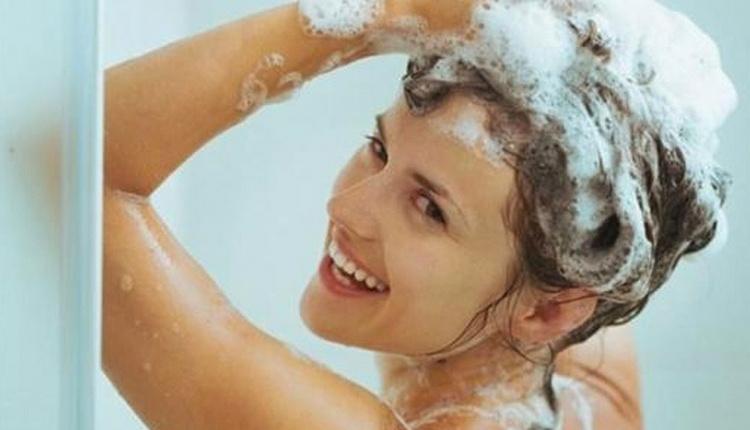 Saç yıkarken yapılan hatalar neler aşırı sıcak su ile yıkamayın!