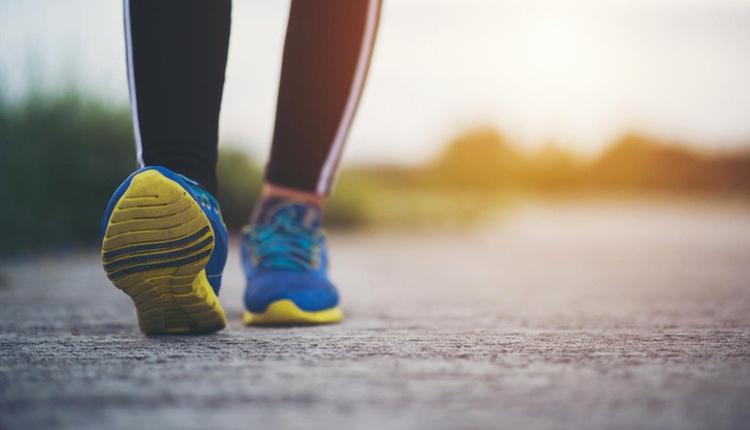 Doğru yürüyüş nasıl yapılır? Sabah erken saatte çıkmayı deneyin!