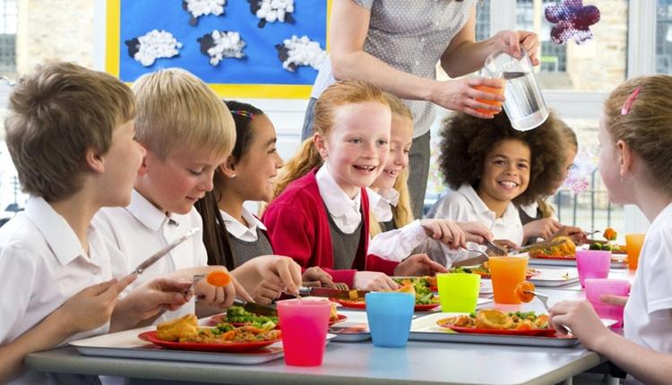 Çocuklarda yanlış beslenmenin zararları neler gelecekleri riskte!