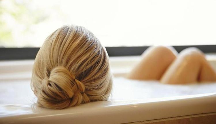 Saç yıkarken nelere dikkat edilmeli? Yıkamadan önce taramıyorsanız...