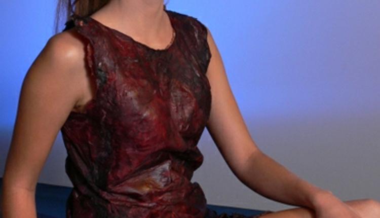 Bu kıyafet şaraptan yapıldı desek?